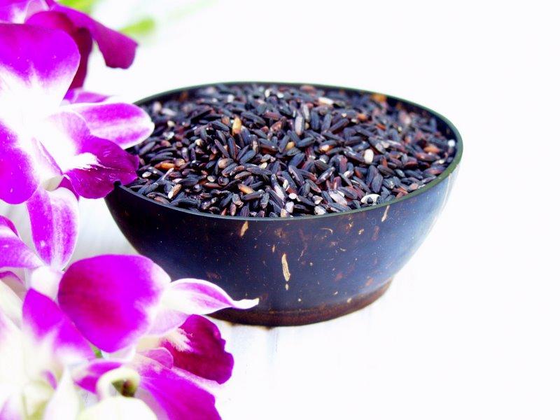 black glutinous rice (ketan itam)