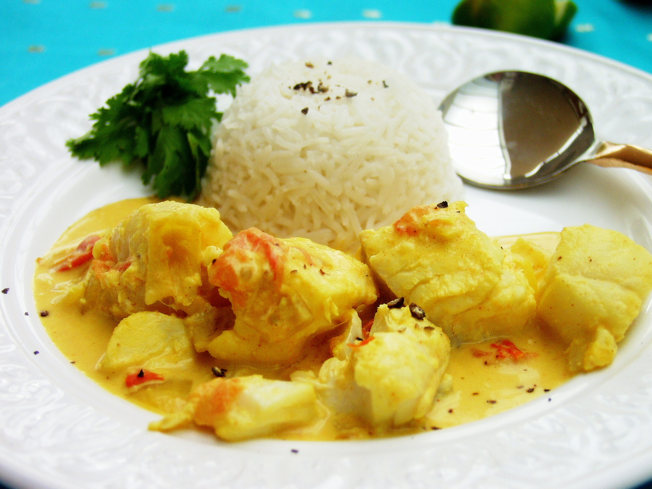 fish curry with fish seafood fish curry spicy fish curry in coconut ...