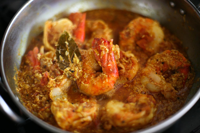 Bengali prawn curry for Giant chilli thai